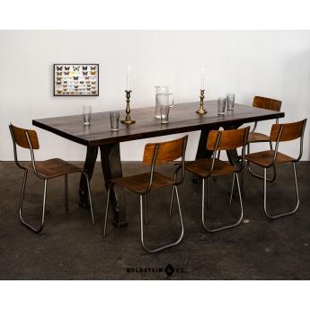 großer Esstisch mit Buchenplatte