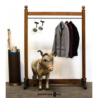 Gründerzeit Garderobe
