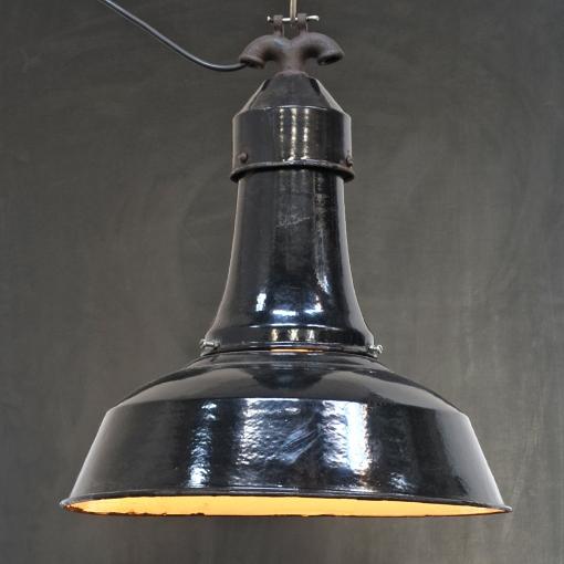 Schwarze Emaillelampe mit hohem Dom
