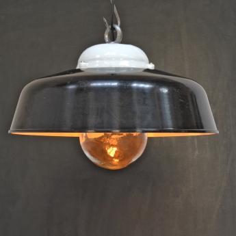 Fabriklampe aus Bakelit mit Porzellandom