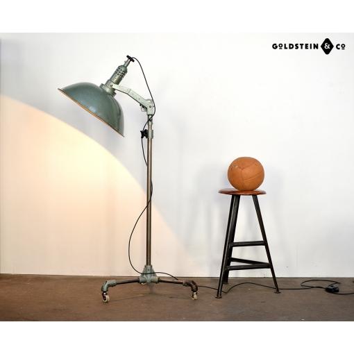 Kranscheinwerfer / SBF / Rot-Orange auf Gussfuss