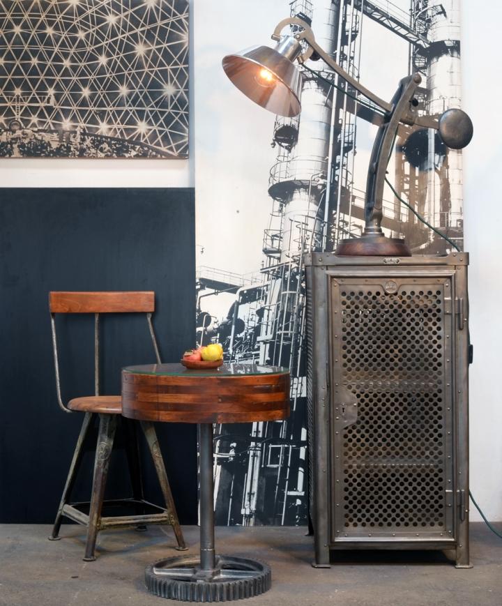 Vom funktionellen Maschinenteil zum dekorativen Möbelstück: Beistelltisch im Industrie-Look